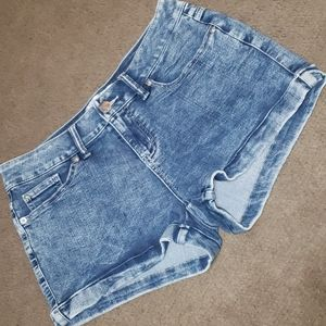 AWESOME SOFT BLUE JEAN SHORTS SIZE 11